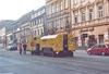 V únoru v Brně opět probíhalo na několika místech broušení tramvajových kolejí. Na snímku je souprava brousícího zařízení Schweerbau zachycena na Štefánikově ulici mezi zastávkami »Pionýrská« a »Hrnčířská« v neděli 26. 2. 2012. Foto © Ladislav Kašík. A ještě se dvěmi fotografiemi vracíme k broušení tramvajových kolejí v Brně – o víkendu 25. a 26. 2. 2012 probíhalo broušení na řečkovické trati. Zatímco v neděli 26. 2. 2012 kolejový brus Schweerbau brousil kolej ve směru z města (na snímku ze Štefánikovy ulice ve společnosti autobusu náhradní dopravy linky x6 evid. č. 2372 jedoucího směrem k centru), v sobotu byla broušena kolej pro směr do města – na snímku brousící zařízení na Lidické ulici. Foto © Ladislav Kašík.