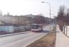 Snímky na této straně dokumentujeme výstavbu v prostoru technologického parku v Králově Poli, resp. na hranici se sousedními Medlánkami. V blízkosti tramvajové smyčky Technologický park letos začaly práce na výstavbě laboratoří CEITEC. Na fotografii z 18. 3. 2012 odjíždí tramvaj K3R evid. č. 1751 po Purkyňově ulici z konečné směrem k centru, v popředí křižovatka vlevo s Podnikatelskou ulicí, vpravo se sjezdem z Hradecké ulice – stavba je patrná v pozadí. Citelis evid. č. 2620 linky 53 odjíždí téhož dne od nástupní zastávky »Technologický park«, vlevo již probíhá výstavba nové komunikace. A do třetice pohled rovněž z 18. 3. 2012 opačným směrem k městu, stavba v popředí, zcela vlevo tramvajová smyčka. Foto © Ladislav Kašík. V prostoru mezi již téměř dokončeným areálem elektrotechnické fakulty (v blízkosti dosavadní strojní fakulty) a kolejemi pod Palackého vrchem podél Kolejní ulice nyní vyrůstá Vědeckotechnický park prof. Lista – na snímku z 18. 3. 2012 projíždí po Kolejní ulici Citelis linky 53 evid. č. 2620 směrem k městu, stavba vyrůstá vlevo. Dne 9. 3. 2012 pak byl pořízen snímek opačným směrem (tj. k městu), vpravo je staveniště, vlevo pak Kolejní ulice s autobusem evid. č. 2346 linky 53. A na závěr již jen pamětnický povzdech – za Kolejní ulicí, v místě světlé budovy vlevo bývala zdejší střelnice, podle které se také jmenovala blízká tramvajová smyčka. To vše již ale odvál čas. Foto © Ladislav Kašík a Jiří Mrkos.