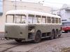 """Dvěma snímky dokončujeme sérii snímků dokumentujících dění v TMB v loňském roce: """"erťák"""" č. 202 při jednom z výjezdů, u bystrckého přístaviště lodní dopravy (15. 6. 2011). Horský autobus Tatra 500 HB obdržel na konci listopadu nový lak v medlánecké lakovně (29. 11. 2011). Foto © Tomáš Kocman."""